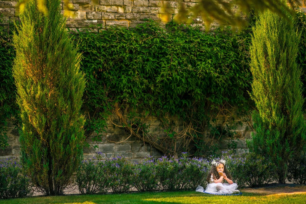 Little moments captured reportage style by Cotswolds wedding photographer Dan Morris