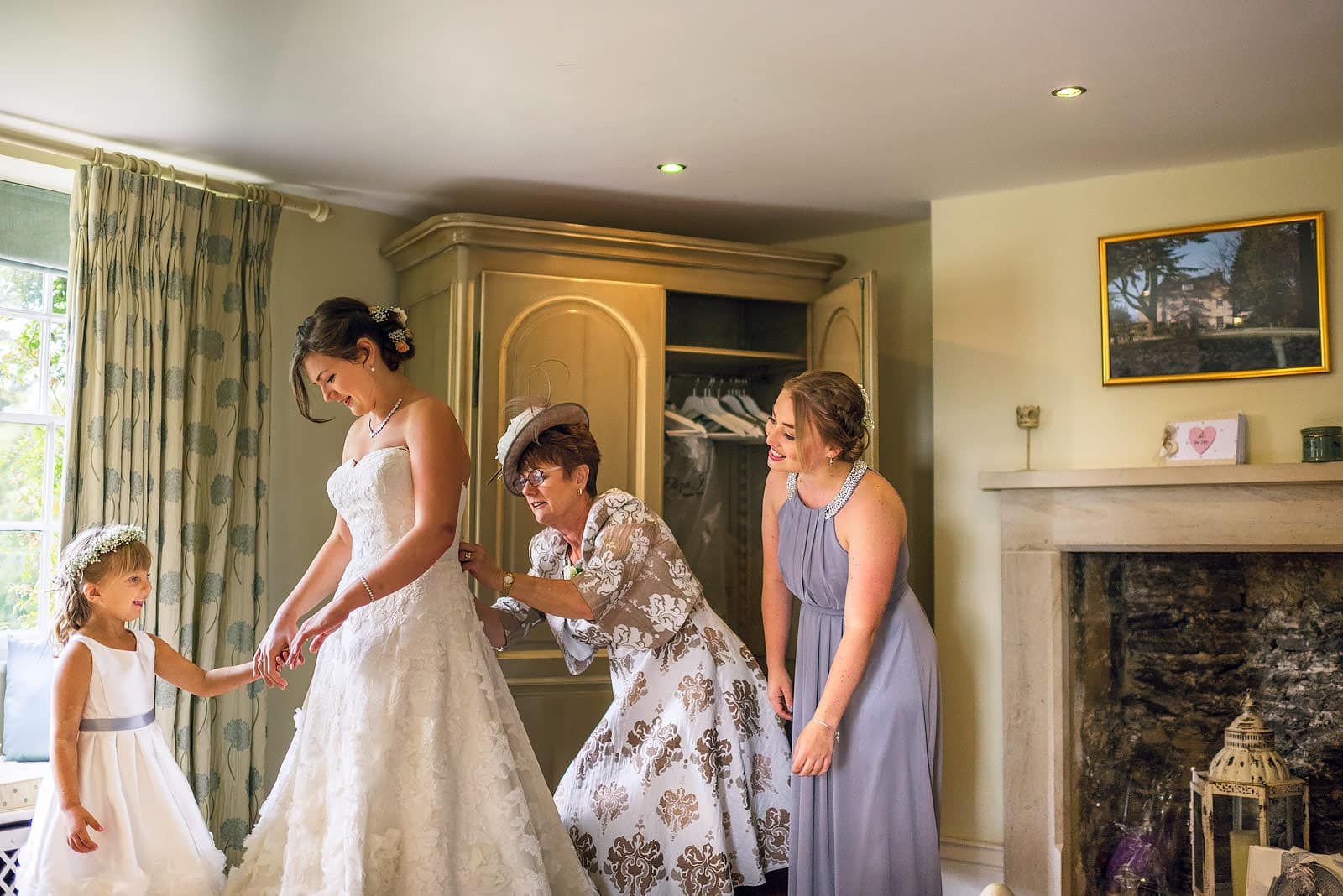 Bride getting ready in Tetbury